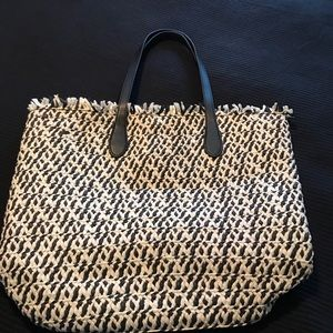 STRAW TOTE BAG NEW WITHOUT TAGS